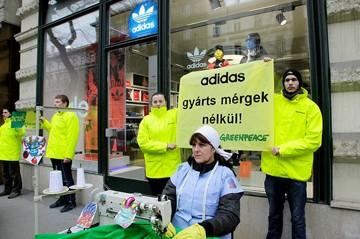 Greenpeace tiltakozás
